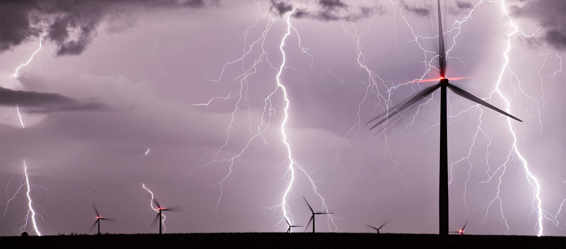 Global Wind Turbine Lighting Solutions
